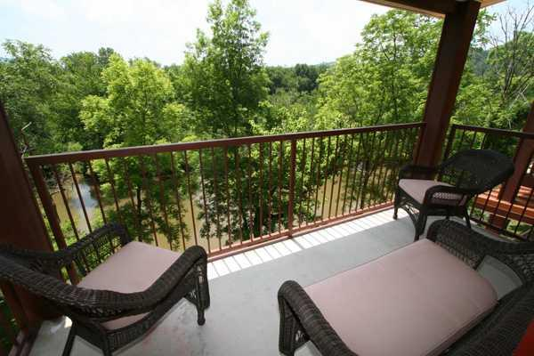 Balcony over the River - Golden Delicious - Sevierville - rentals