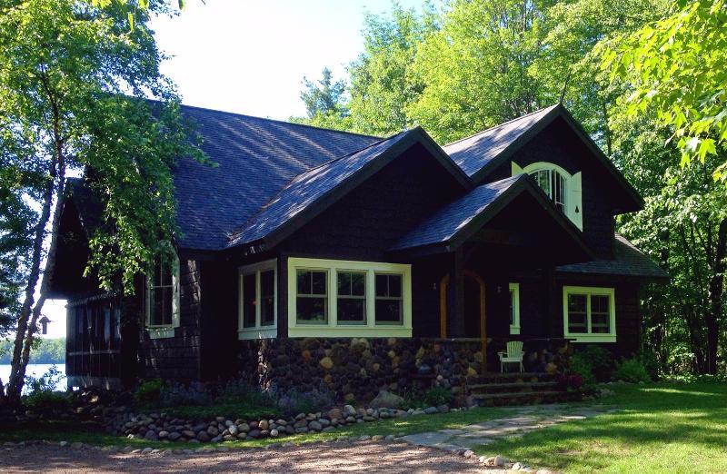 Runamuk Roost... - Vintage Northwoods Lodge with Charm & Comfort - Hayward - rentals