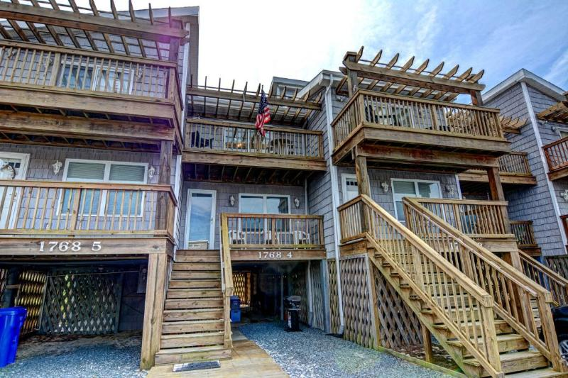 1768-4 Shipwatch - Shipwatch I 1768-4 Oceanfront! | Internet - North Topsail Beach - rentals