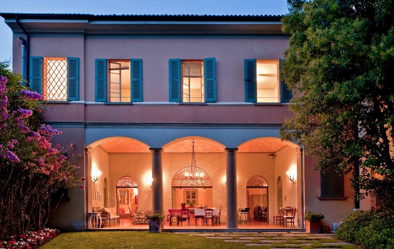 7 bedroom Villa in Cazzago S. Martino, Lombardy, Italy : ref 2293865 - Image 1 - Bornato - rentals