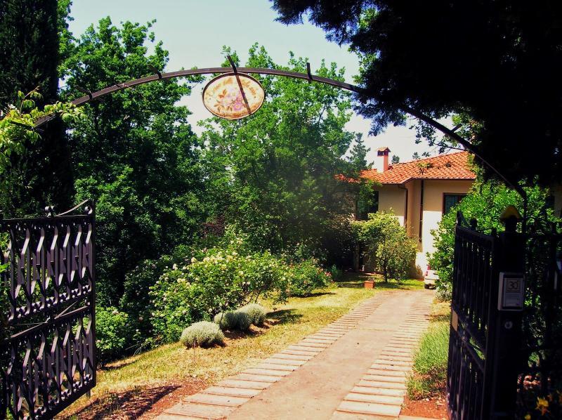 Casa dei Dipinti - Image 1 - Reggello - rentals