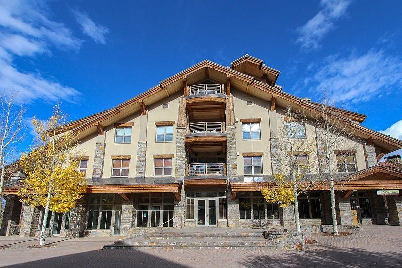 Granita 201 - Exterior of building located in the Mountain Village core - Granita 201 - 2 Bd / 2 Ba - Sleeps 4 - Luxury Condo - True Ski In Ski Out - Ideal Mountain Village Core Location at the top of Lift 1 - Telluride - rentals