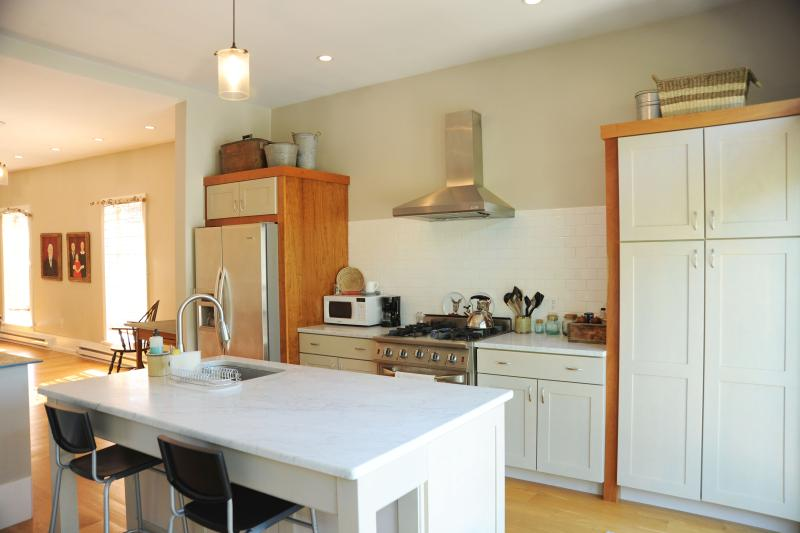 Super sunny kitchen - Modern Mountain Stream-side Retreat - Andes Hamlet - Andes - rentals