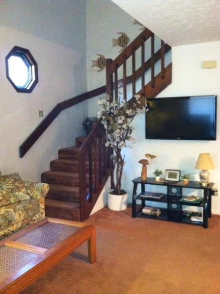 Big screen TV with cable and Blue ray DVD..WIFI too!!!! - Pet-Friendly, Walk to beach !! Hot tub !! - Myrtle Beach - rentals