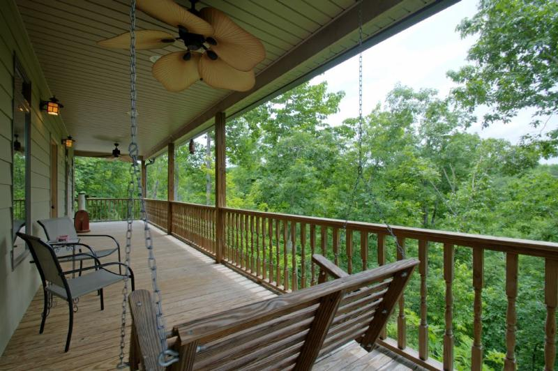 White Willow - Private Front Porch - White Willow - Black Mountain - rentals