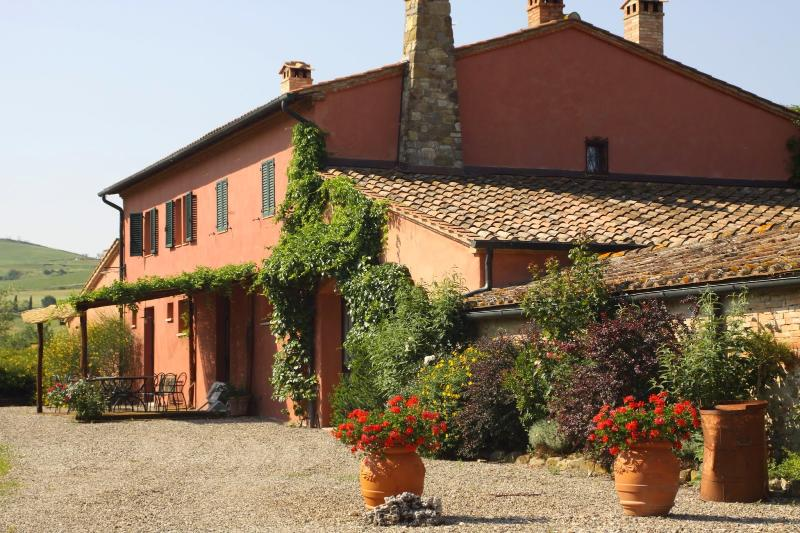 8 bedroom Villa in Castiglione d Orcia, Val d Orcia, Tuscany, Italy : ref 2293946 - Image 1 - Gallina - rentals