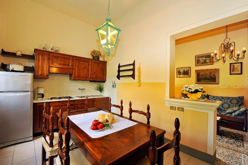 9 bedroom Villa in Volterra, San Gimignano, Volterra and surroundings, Tuscany, Italy : ref 2294019 - Image 1 - Ulignano - rentals