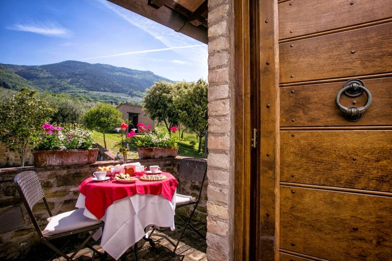 5 bedroom Villa in Assisi, Umbrian Countryside, Umbria, Italy : ref 2294093 - Image 1 - San Vitale - rentals