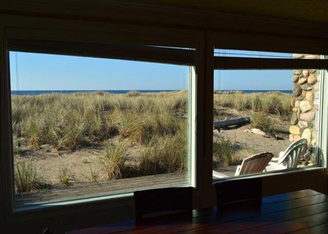 SURF RIDER-CLASSIC BEACH HOME!! - Image 1 - Manzanita - rentals