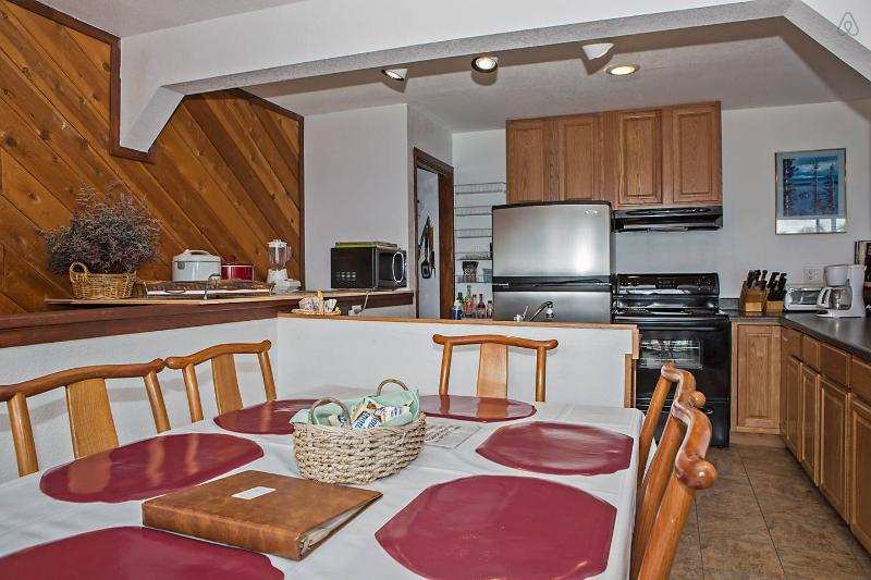 Dining Room and Kitchen - Breathtaking Views! Stagecoach and Boulder Ski - Stateline - rentals