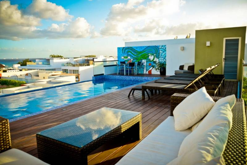 Flat with Great Terrace and Pool - Image 1 - Playa del Carmen - rentals