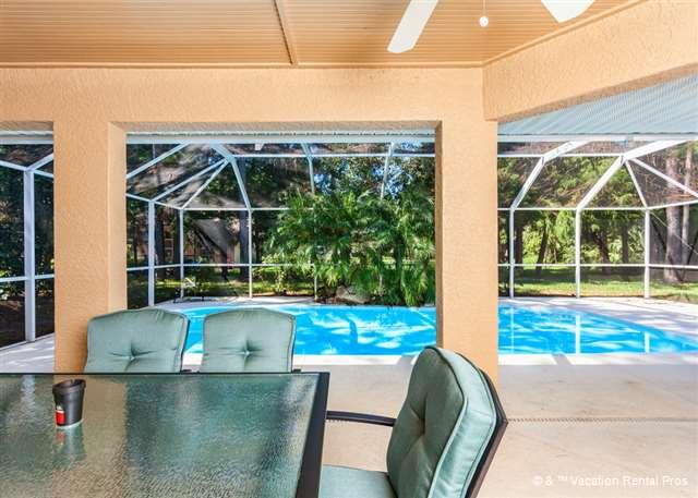 Gather the family in the lanai for lunch - Wood Haven, Private Pool, HDTV, Wifi - Palm Coast - rentals
