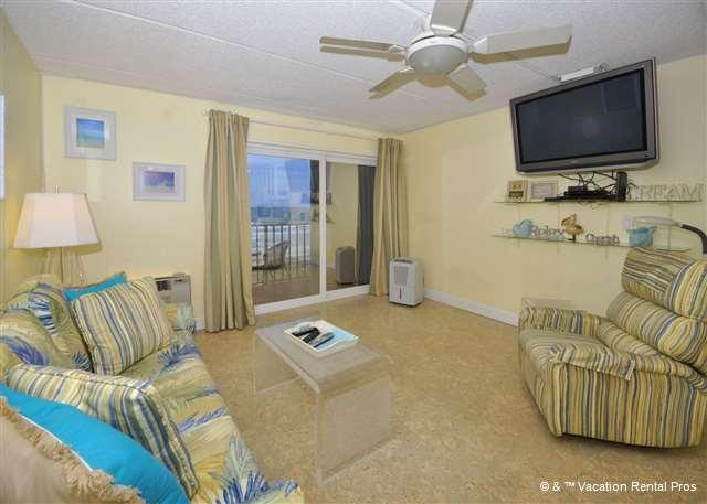 Our oceanfront condo is breezy and spacious! - Beachers Lodge 425, Beach Front, 4th floor, Elevator, HDTV - Saint Augustine - rentals