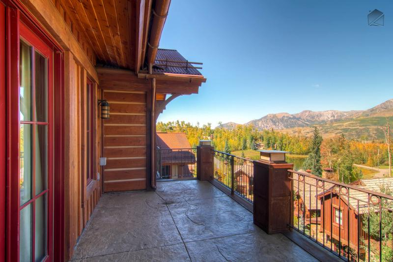 Check out the jaw dropping views of the San Sophia Mountain Range off the porch. - I can see for miles and miles and miles…Community hot tubs and courtyard, close to Mountain Village core - The Treetop at Elkstone 21 - Mountain Village - rentals