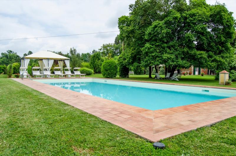 5 bedroom Villa in Castelfranco di Sotto, Pisa and surroundings, Tuscany, Italy : ref 2294062 - Image 1 - Orentano - rentals