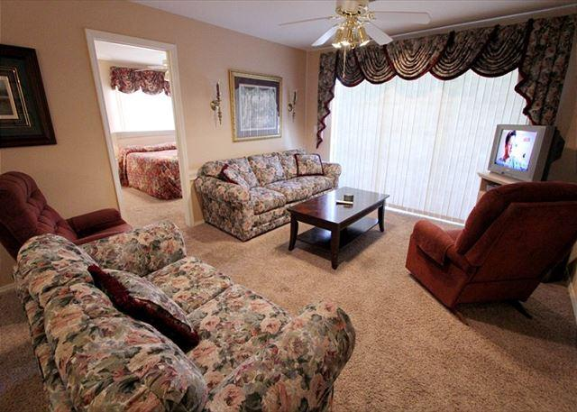A Charming Manor - A Charming Manor- 3 Bedroom, 3 Bath Condo with Wheelchair Access - Branson - rentals