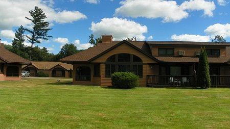 Golf and Ski Vacation Rental close to Loon and Cannon Ski Resorts with indoor pool next door! - Image 1 - Woodstock - rentals
