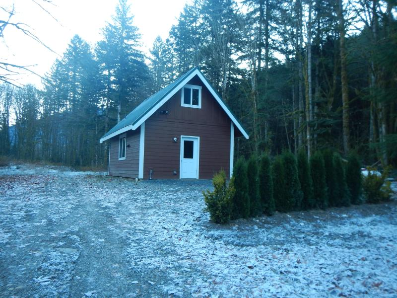 "The LTC - Enjoy the Little tiny cabin in the woods ""LTC"". - Glacier - rentals"