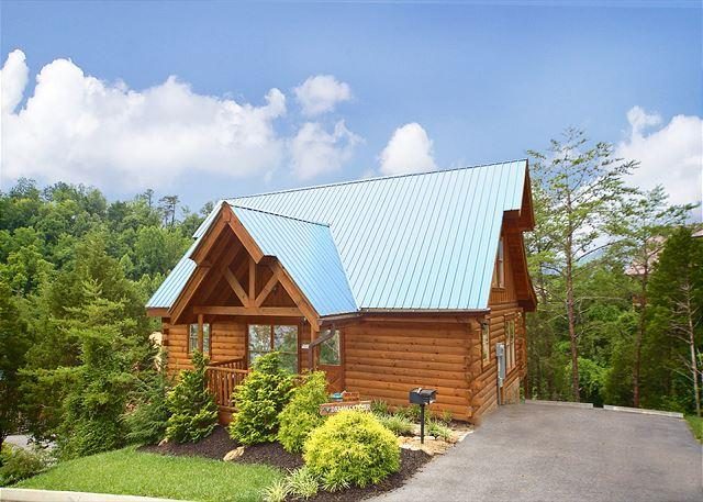 Dream Catcher Cabin in Alpine Mountain Village - Summer Special from $99!!! Perfectly Located Cabin w/ Hot Tub. Sleeps 6. - Pigeon Forge - rentals