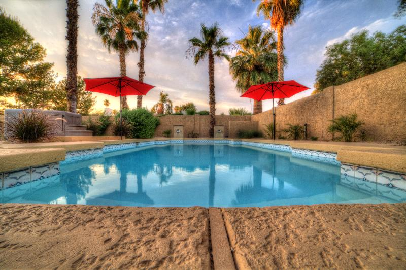 Amazing heated pool with jetted spa and 2 waterfalls - N.Scottsdale Exec. Home- Pool/Spa/Putt/Pool Table - Scottsdale - rentals