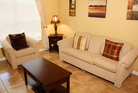 Gorgeous 4 Bedroom 2 Bathroom Home Just West of Disney. 6015 - Image 1 - Orlando - rentals
