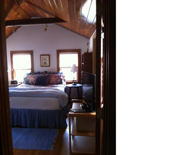Cottage Bedroom with cathedral ceilings - Charming Private Cottage ~ Huge Deck~ Dog-Friendly - Nantucket - rentals