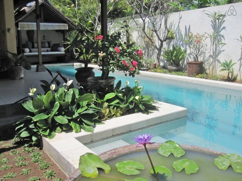 Pool with gazebo - Pool Villa on beach loc. between Seminyak Canggu - Canggu - rentals