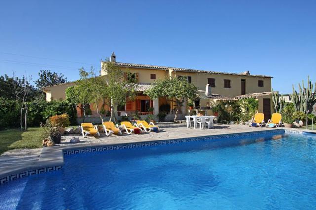 6 bedroom Villa in Pollenca, Mallorca, Mallorca : ref 2213409 - Image 1 - Pollenca - rentals