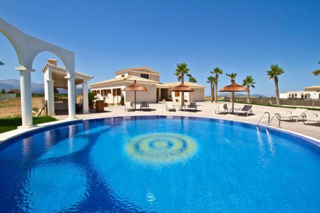 4 bedroom Villa in Sa Pobla, Sa Pobla Countryside, Mallorca, Mallorca : ref 2213434 - Image 1 - Sa Pobla - rentals