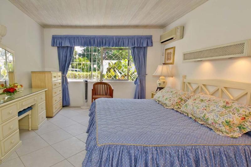 Aquamarine - AQU - Saint Peter - rentals