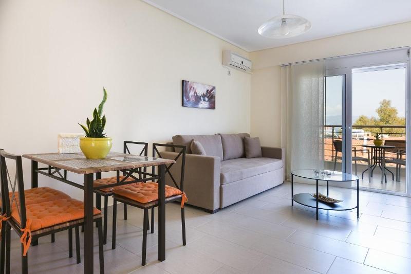 Living Room / Dining Area - Eucalyptus Apartments - Tangerine - Cephalonia - rentals