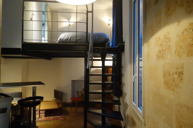 Cosy apartment in the heart of Bordeaux - Image 1 - Bordeaux - rentals