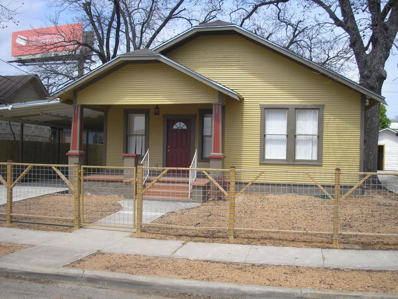 Totally Restored 1933 Craftsman Home just north of - Image 1 - San Antonio - rentals