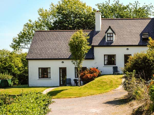 OYSTERHAVEN HOLIDAY COTTAGES, semi-detached, open fire, WiFi, next to a watersports centre, near Kinsale, Ref 915111 - Image 1 - Kinsale - rentals