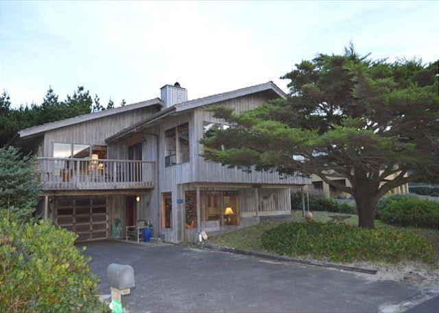 LEGACY HOUSE 1 in the NeahKahNie Neighborhood of MANZANITA - Image 1 - Nehalem - rentals