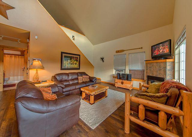 Wintergreen Lodge - Cozy Cabin in Roslyn Ridge!  Slps 8 | Fall Specials | WiFi - Ronald - rentals