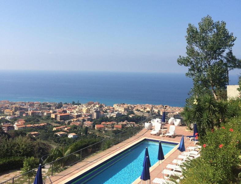 the panoramic swimming pool - Studio Flat in Holiday Home with panoramic swimming pool and mediterranean garden! - Tropea - rentals