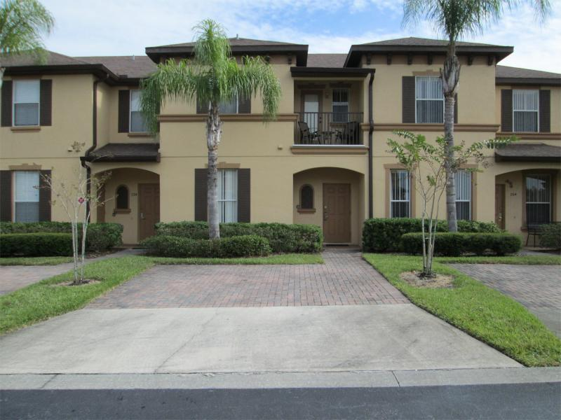 Exterior of Townhouse with Personal 2 Car Driveway. - Townhome at Regal Palms, Resort, WiFi, Disney/Golf - Davenport - rentals
