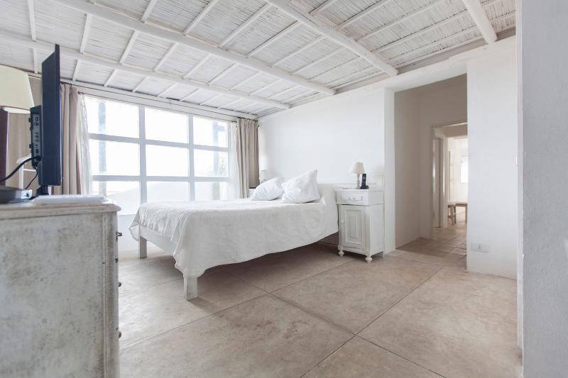 3 Bedroom Apartment with Stunning Coastline Views in La Barra - Image 1 - Punta del Este - rentals
