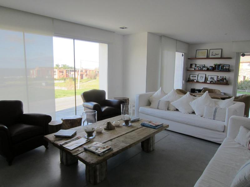 Amazing 5 Bedroom House in Punta del Este - Image 1 - Punta del Este - rentals