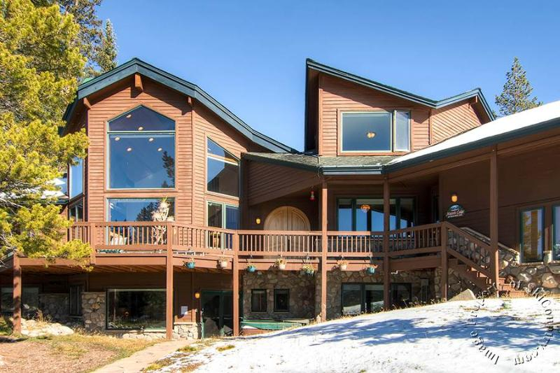 Majestic Lodge by Ski Country Resorts - Image 1 - Breckenridge - rentals