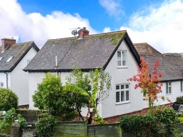 NORTHLEIGH, pet-friendly cottage, close to coast path, beach and amenities, in Minehead, Ref 29175 - Image 1 - Minehead - rentals