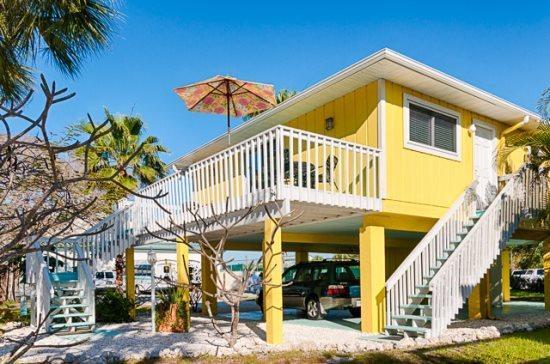 Canary Cottage- 317 Magnolia Ave, Anna Maria - Image 1 - Anna Maria - rentals