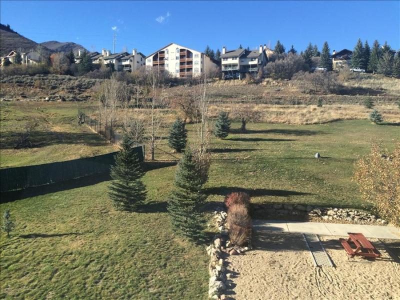 Villas at Zermatt Resort - Penthouse Suite # 3039, 2 Bedroom, 2 Bath, Kitchen Sleeps 8 - Image 1 - Midway - rentals