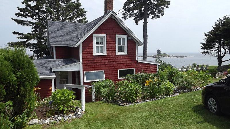 view of Edge of the Sea - EDGE OF THE SEA | OCEANFRONT | OCEAN POINT | EAST BOOTHBAY MAINE | LIGHTHOUSES | ISLANDS - Boothbay - rentals