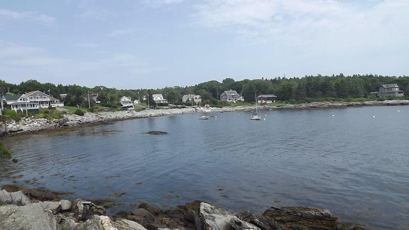View from yard of Edge of the Sea overlooking Grimes Cove - EDGE OF THE SEA | OCEANFRONT | OCEAN POINT | EAST BOOTHBAY MAINE | LIGHTHOUSES | ISLANDS - Boothbay - rentals