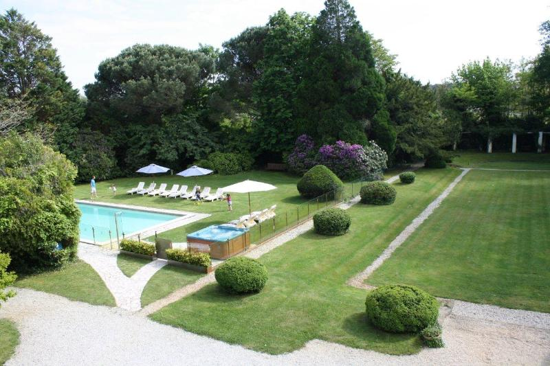 Luxury French Villa Walking Distance to Town and Near Surfing Beaches - Manoir Atlantique - Image 1 - Soustons - rentals