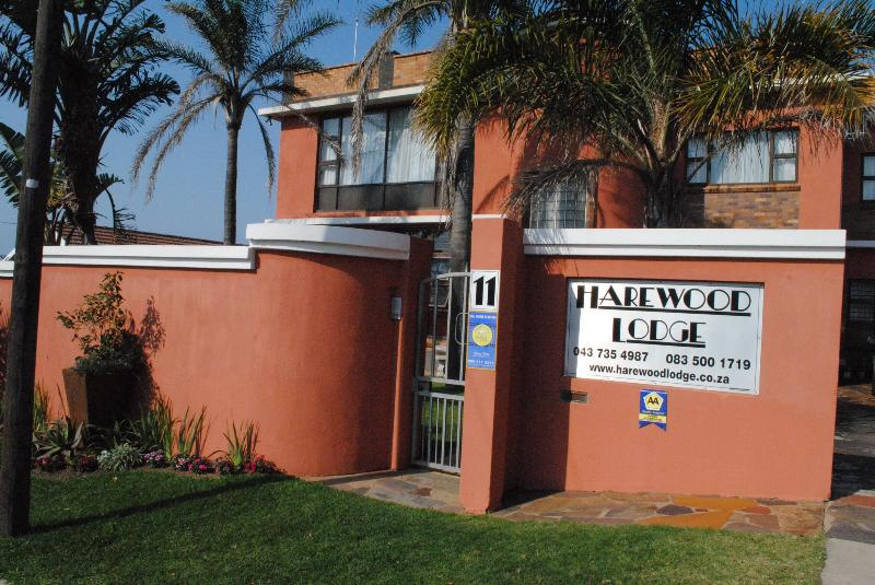 Harewood Lodge welcomes you - HAREWOOD LODGE GUEST HOUSE - East London - rentals