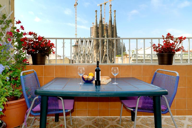 Spectacular views of the Sagrada Familia - Image 1 - Barcelona - rentals