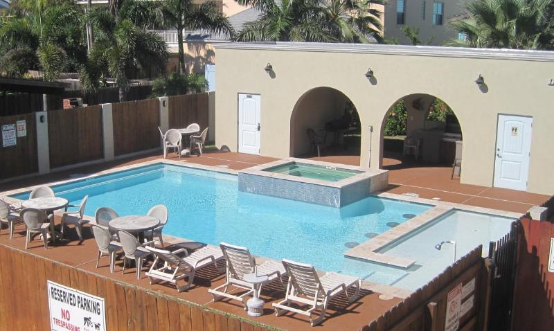 Pool and grill area - Right across from the beach! Winter 2016 openings. - South Padre Island - rentals